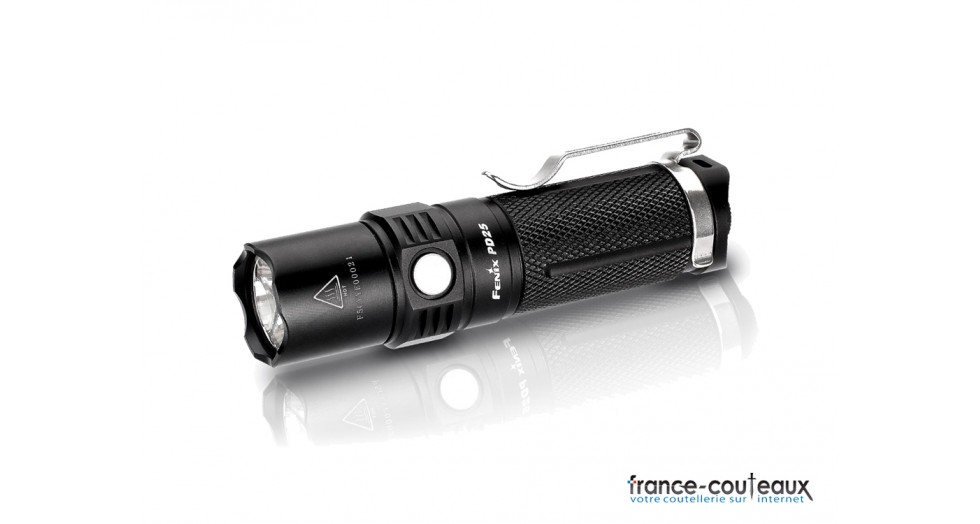 petite lampe torche led fenix pd25 550 lumens. Black Bedroom Furniture Sets. Home Design Ideas